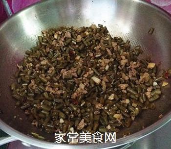 肉末酸豆角的做法步骤:16
