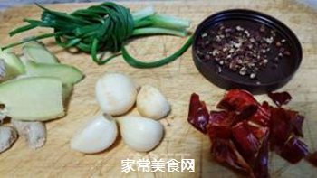 猪脚萝卜汤的做法步骤:4