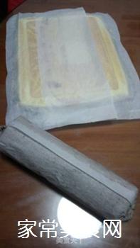 原味蛋糕卷的做法步骤:11