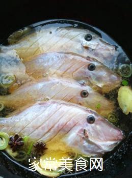 鱼汤炖豆腐的做法步骤:4