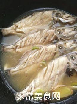 鱼汤炖豆腐的做法步骤:5