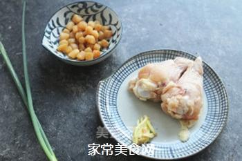 瑶柱鸡丝粥的做法步骤:1