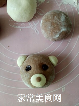 小熊豆沙包的做法步骤:12