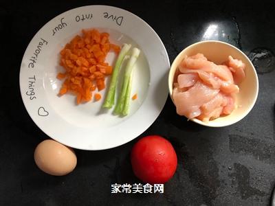 #爽口凉菜,开胃一夏!#番茄鸡肉丸的做法图解1