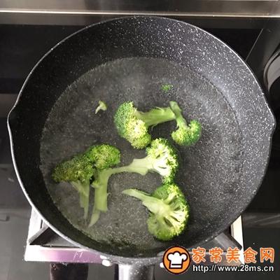 轻食主义-藜麦鸡肉蔬菜沙拉的做法图解5