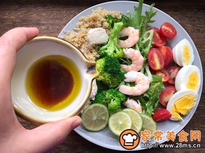 轻食主义-藜麦鸡肉蔬菜沙拉的做法图解8