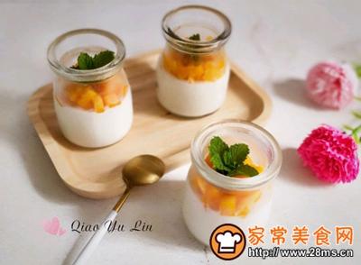 #花10分钟,做一道菜!#芒果牛奶布丁的做法图解8