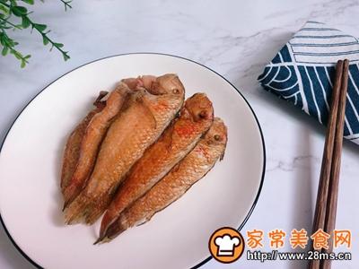 #花10分钟,做一道菜!#香煎鹦哥鱼的做法图解4