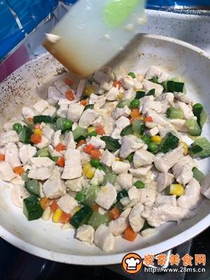 #花10分钟,做一道菜!#【炒】宝宝添饭必备-五彩鸡丁的做法图解8