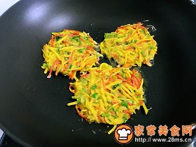 胡萝卜土豆鸡蛋饼的做法图解4