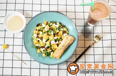 煎三文鱼牛油果沙拉配小黄瓜果蔬汁的做法图解10
