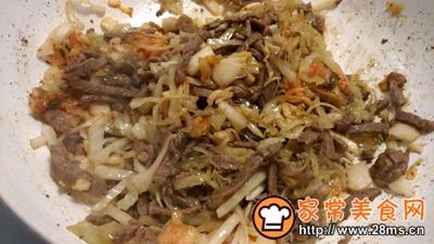 酸菜泡菜炒米饭的做法图解5