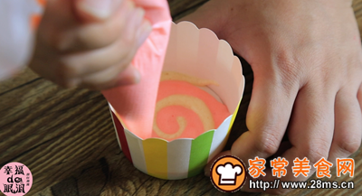 棒棒糖戚风蛋糕的做法图解8