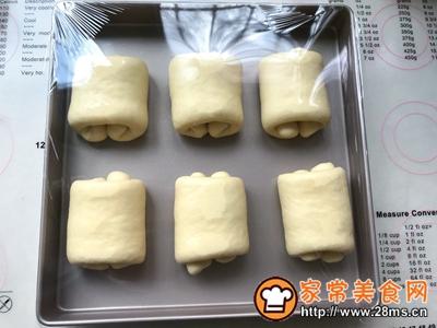 牛奶面包卷的做法图解15