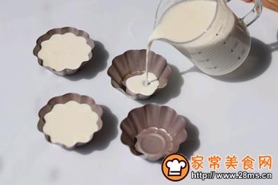 香滑牛奶布丁的做法图解5