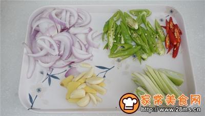 干锅鸡爪茶树菇的做法图解4