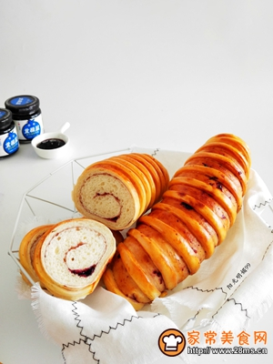 蓝莓面包卷的做法图解15