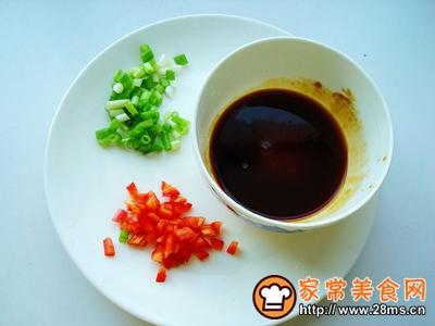 海鲜菇蒸腐竹的做法图解5