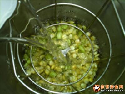 嫩玉米鲜豆浆的做法图解7