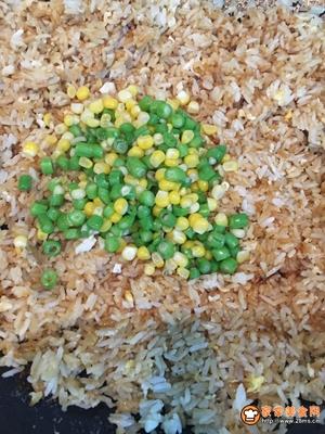 豆角丁炒饭的做法图解8