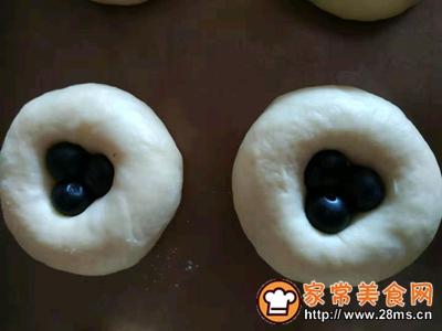 蓝莓爆浆小面包的做法图解6
