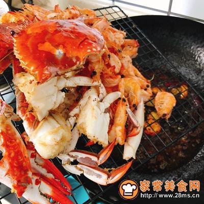 香辣虾蟹干锅的做法图解7