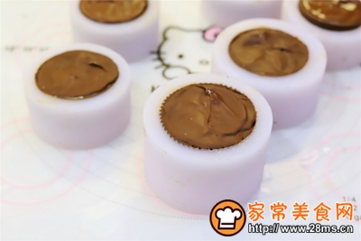 奥利奥黑巧冰淇淋月饼的做法图解12