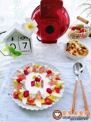 缤纷水果酸奶蛋饼的做法图解11