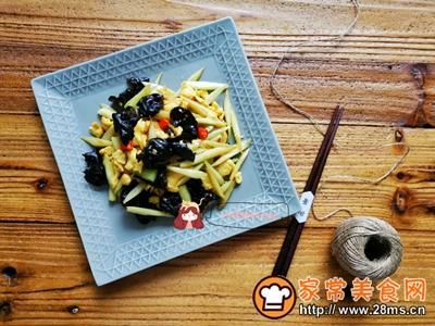 下饭小炒芦笋木耳炒蛋的做法图解10