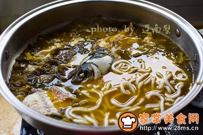 酸菜鱼头土豆粉的做法图解8