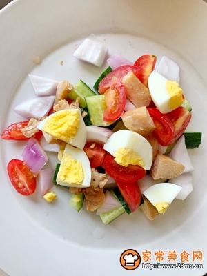 减肥必备蔬菜鸡胸肉沙拉的做法图解1
