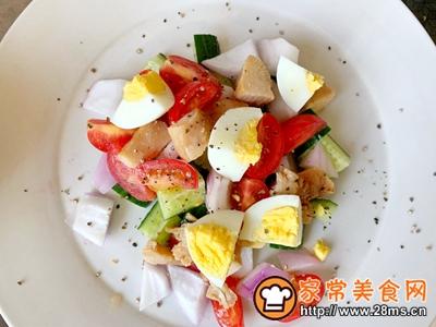 减肥必备蔬菜鸡胸肉沙拉的做法图解2