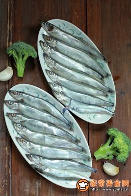 多春鱼肉松寿司的做法图解1