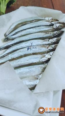 多春鱼肉松寿司的做法图解3