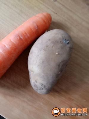 胡萝卜土豆丝鸡蛋饼的做法图解1