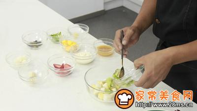 柳橙水果沙拉的做法图解3