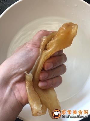 女神入秋必备汤水红枣花胶炖土鸡的做法图解4