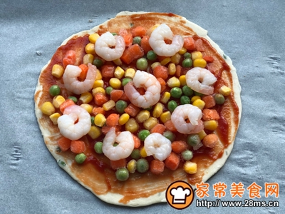 手抓饼版蔬菜虾仁披萨的做法图解4