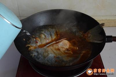 东北铁锅炖鱼的做法图解12