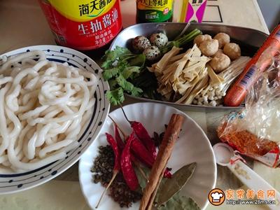 砂锅土豆粉的家常做法