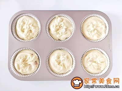 奶香糯米蛋糕的做法图解9