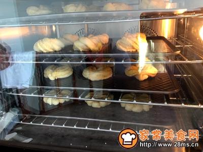 花环椰蓉面包的做法图解24