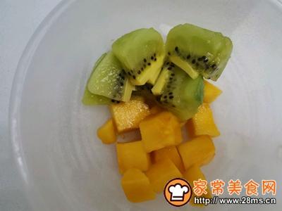 晶莹剔透水果布丁的做法图解3