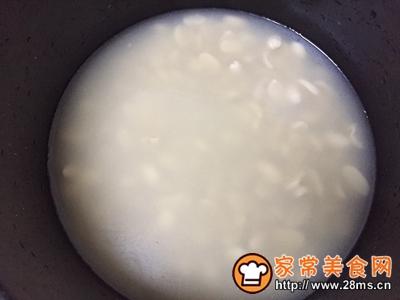 香甜浓郁奶香花生汤的做法图解3