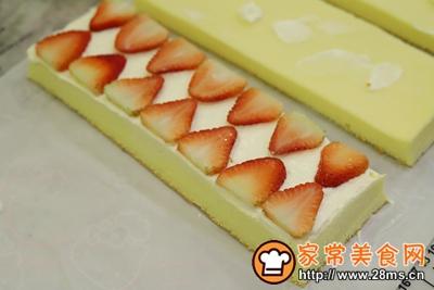 草莓奶油切片蛋糕的做法图解15