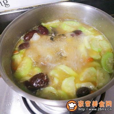 红枣鲫鱼汤