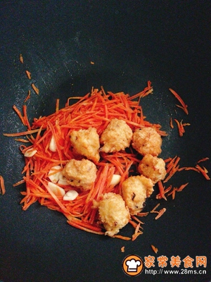 胡萝卜炒肉丸