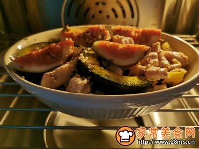 贝贝南瓜藜麦鸡肉沙拉