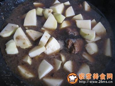 土豆烩小排