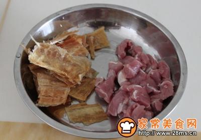 猪肉炖鳄鱼肉的家常做法